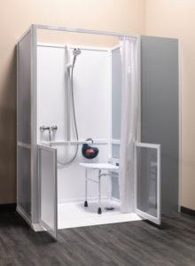 cabine de douche PMR